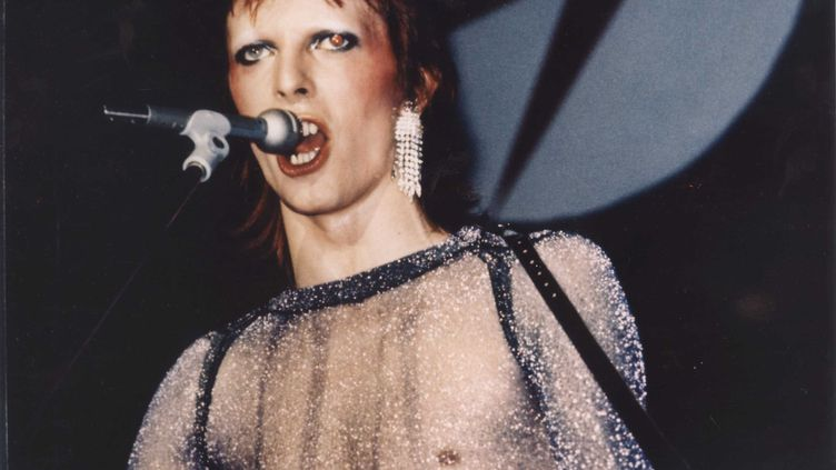 David Bowie dans le film Ziggy Stardust And The Spiders From Mars, un documentairede D.A. Pennebaker sorti en 1973. (NANA PRODUCTIONS/SIPA)