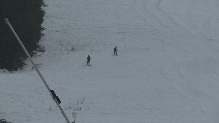Des skieurs de randonnée à Grand Puy dans les Alpes-de-Haute-Provence. (FRANCEINFO)