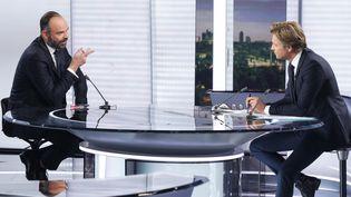 Edouard Philippe, le Premier ministre, sur le plateau du journal de 20 heures de France 2, à Paris, le 12 janvier 2020. (GEOFFROY VAN DER HASSELT / AFP)