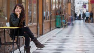 Zaz dans ce Paris qu'elle aime tant.  (Girette/IP3 Press/MaxPPP)