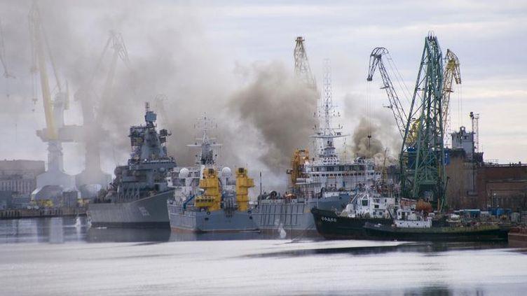 Un chantier naval de la ville de Severodvinsk,dans le nord de la Russie, le 7 avril 2015. (STRINGER RUSSIA / REUTERS)