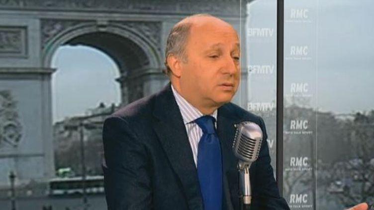 Laurent Fabius, député PS de Seine-Maritime, au micro de BFM-TV, le 16 février 2012. (FTVI / BFM-TV)
