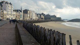 Saint-Malo, l'archétype de la ville moyenne dont rêvent les Français. (RICHARD VILLALON / MAXPPP)