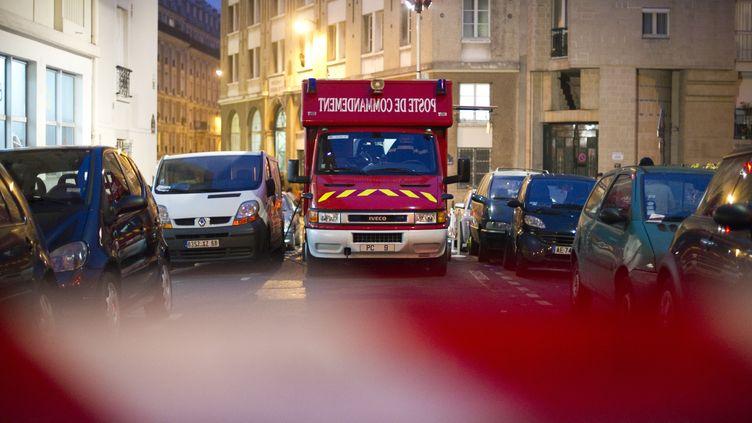 Les pompiers de Paris en action dans Paris le 24 novembre 2011 (LIONEL BONAVENTURE / AFP)