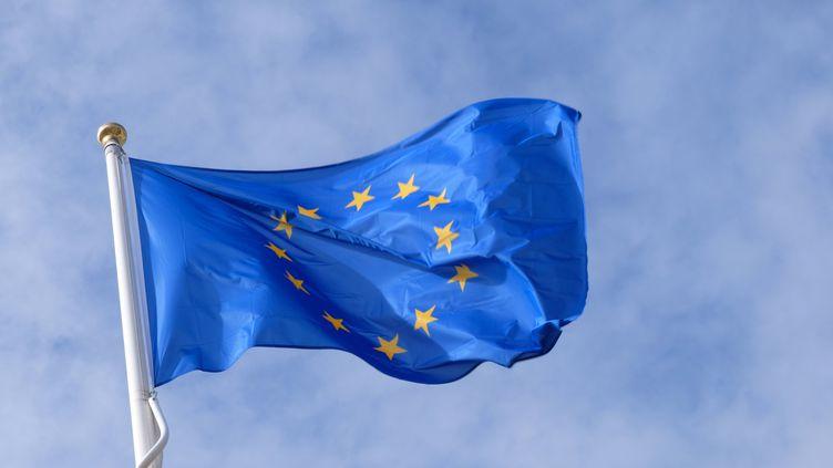 Les européens pourraient bientôt payer en euro numérique. (RICHARD VILLALON / MAXPPP)
