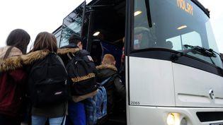 Un bus à Tavaux dans le département du Jura, le 29 février 2016 (photo d'illustration). (PHILIPPE TRIAS / MAXPPP)