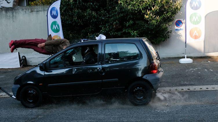 Premier crash-test avec une trottinette organisé en 2019. (LILIAN CAZABET / MAXPPP)