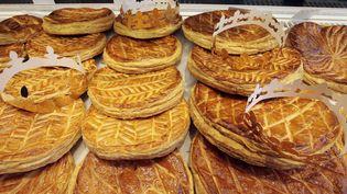 Ces boulangers de Meurthe-et-Moselle espèrent écouler 800 galettes. (JACQUES DEMARTHON / AFP)