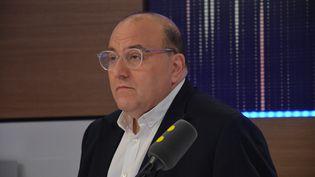 Julien Dray, invité de franceinfo, le 23 septembre 2016. (JEAN-CHRISTOPHE BOURDILLAT / RADIOFRANCE)