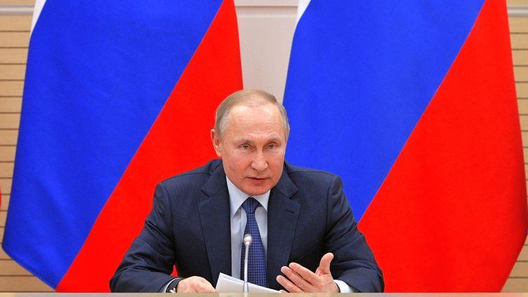 Le président russe Vladimir Poutine lors d'une réunion avecun groupe de travail formé par le Kremlin pour plancher sur la réforme constitutionnelle, à Moscou, en Russie, le 13 février 2020. (ALEXEY DRUZHININ / SPUTNIK / AFP)