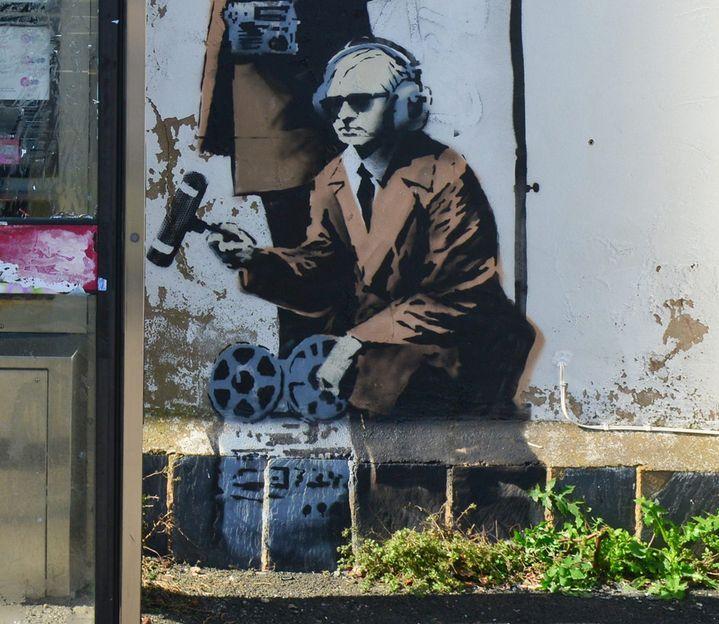 """Un autre espion des """"grandes oreilles gouvernementales"""" écoute aux portes à Cheltenham...  (Jules Annan/Photoshot/MAXPPP )"""