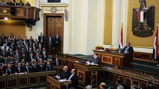 Le président égyptien, Mohamed Morsi, prononce un discours devant le Sénat fraîchement élu, le 29 décembre 2012 au Caire (Egypte). (EGYPTIAN PRESIDENCY / AFP)