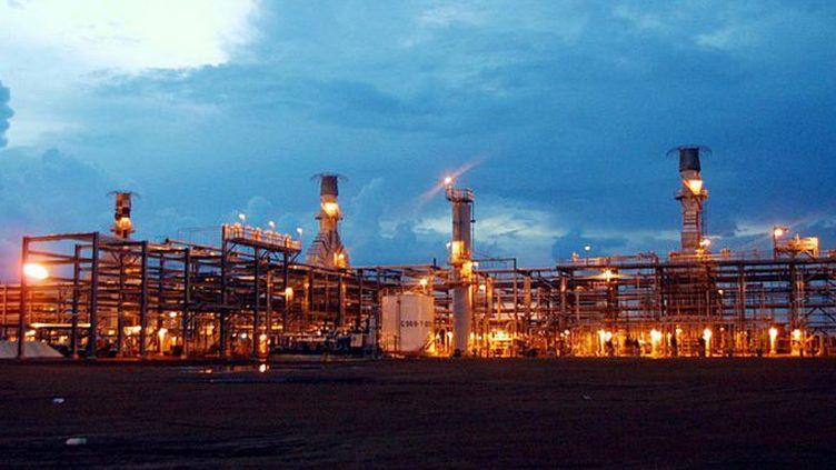Installation pétrolière à Komé (sud-est du Tchad)