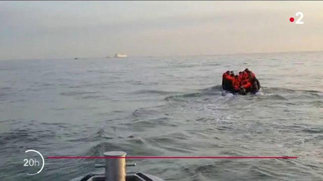 Calais : de plus en plus de migrants tentent la traversée de la Manche en bateau