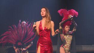 Insolit'Le Show mêlenuméro de danse et de chant, pour un résultat époustouflant. (FRANCE 3 La Rochelle)