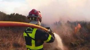 La France n'en a pas fini avec la tempête Ciara et c'est en Corse que la situation est la plus préoccupante. Les vents violents attisent des incendies qui se sont déclarés sur l'île de Beauté, où aucun moyen aérien ne peut être engagé. (FRANCE 2)