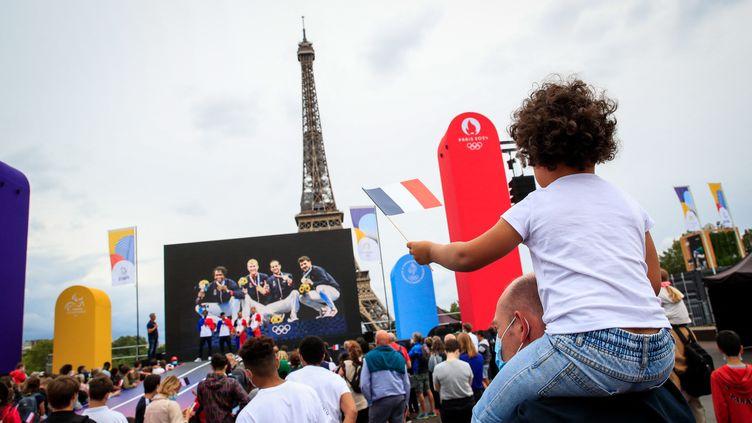 Au Trocadéro à Paris, lors des Jeux olympiques de Tokyo 2020. (AGENCE KMSP / VIA AFP)