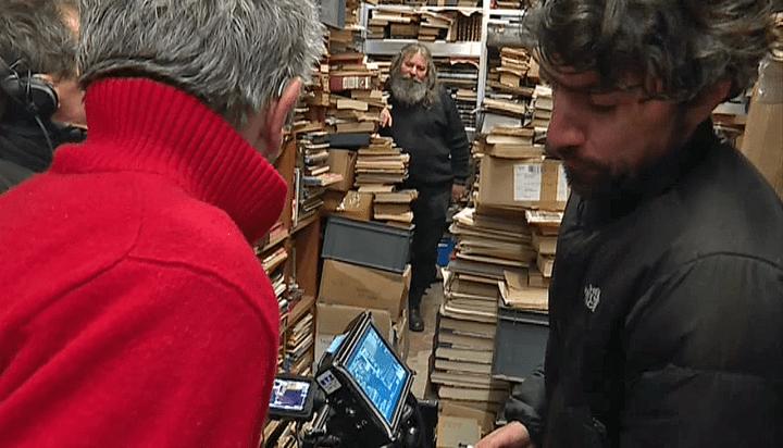 Patrice Leconte en tournage chez le bouquiniste Joseph Trotta  (France 3 / Culturebox )