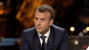Capture d'écran de l'interview d'Emmanuel Macron, le 15 avril 2018, sur BFMTV et Mediapart. (MEDIAPART / YOUTUBE)