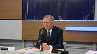 François Bayrou, maire de Pau et président du MoDem, invité de franceinfo (photo d'illustration). (RADIO FRANCE / JEAN-CHRISTOPHE BOURDILLAT)
