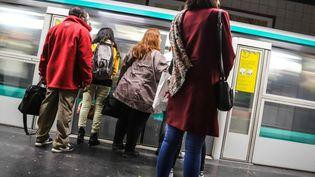 Un quai de la station Charles de Gaulle-Etoile du métro parisien, le 31 octobre 2017. (MAXPPP)