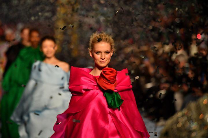 Richard Quinnpap féminin automne-hiver 2020-21 à la London Fashion Week, le 15 février 2020 (BEN STANSALL / AFP)