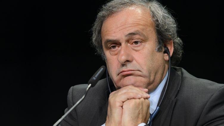Michel Platini, le président de l'UEFA, lors d'une conférence de presse à Zurich (Suisse), le 4 décembre 2015. (FABRICE COFFRINI / AFP)