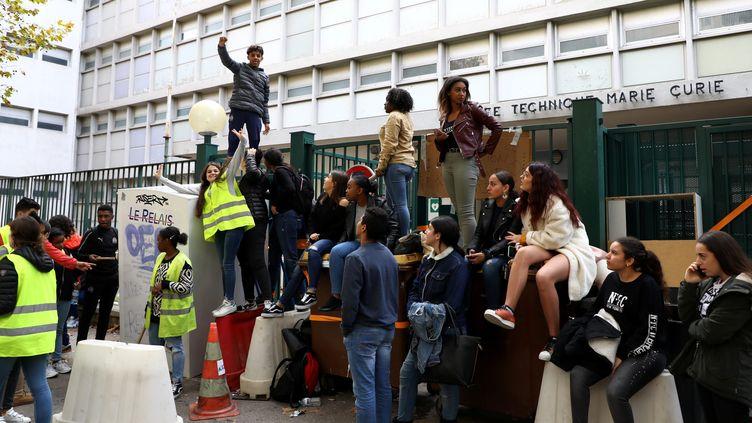 Le lycée professionnelMarie Curie manifeste contre la réforme des lycées et des collèges. (VAL?RIE VREL / MAXPPP)
