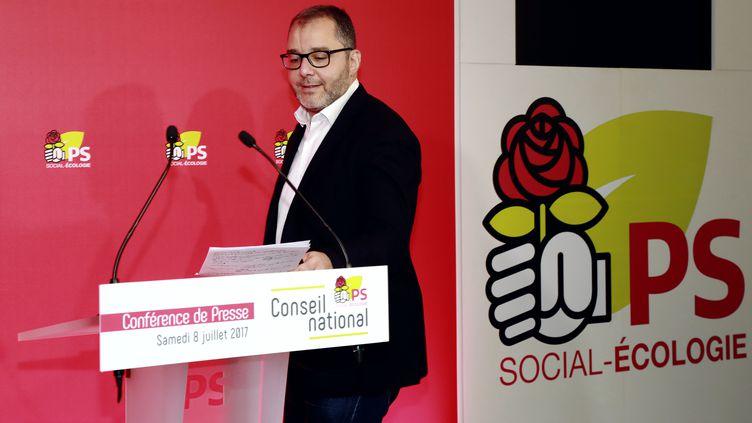 Rachid Temal, coordinateur du Parti socialiste et sénateur du Val d'Oise, le 8 juillet 2017, à Paris. (JACQUES DEMARTHON / AFP)