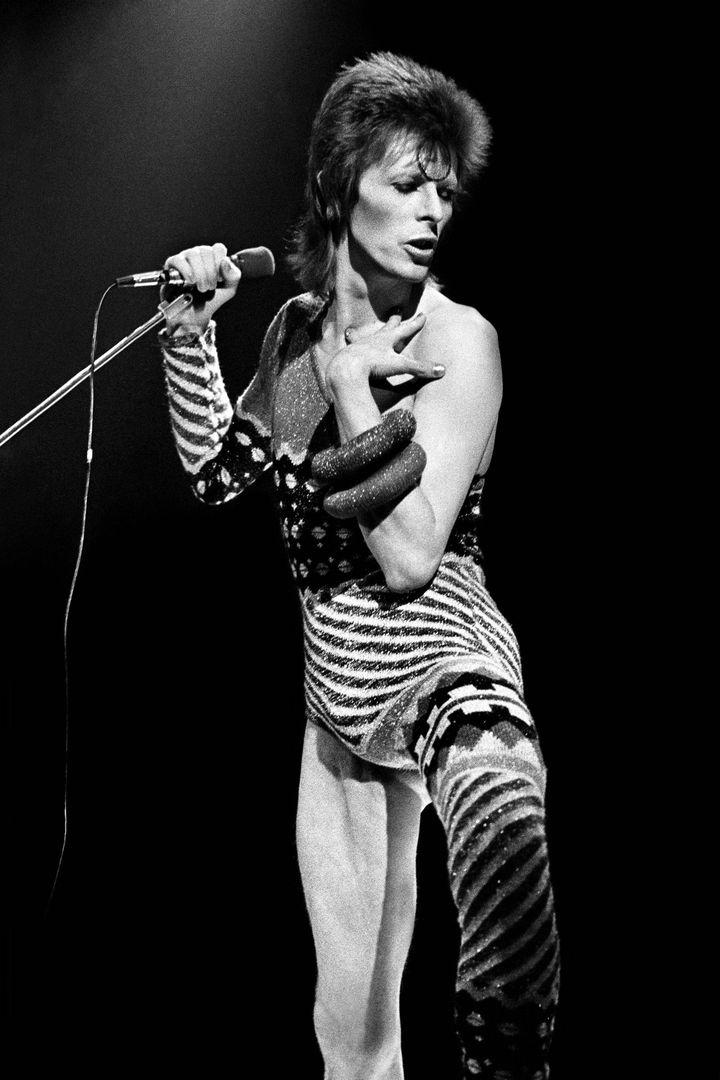 David Bowie sur la tournée Ziggy Stardust de 1973, à Earl's Court (Londres). (CLAUDE GASSIAN)