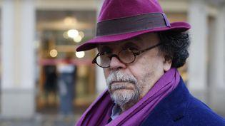 Jean-Michel Ribes, devant le théâtre du Rond-Point en octobre 2015  (Thomas Samson / AFP)