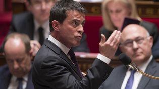 Le Premier ministre Manuel Valls s'adresse aux députés lors d'une séance de questions au gouvernement à l'Assemblée nationale, le 4 mai 2016 à Paris. (BERTRAND GUAY / AFP)