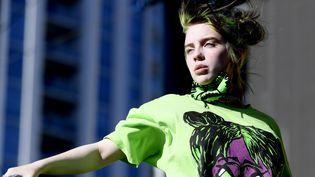 La chanteuse américaine Billie Eilish, 17 ans, sur la scène du iHeartRadio Festival à Las Vegas (Etats-Unis), le 21 septembre 2019. (BRYAN STEFFY / GETTY / AFP)
