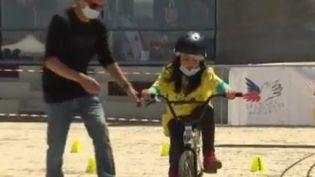 Capture écran sujet vélo enfants La Rochelle (FRANCE 2)
