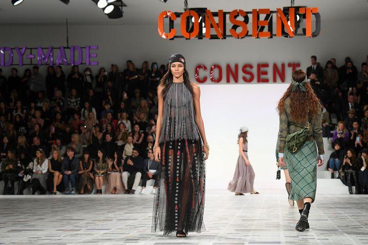 """""""Nous sommes toutes clitoridiennes"""" : à la Fashion Week ..."""