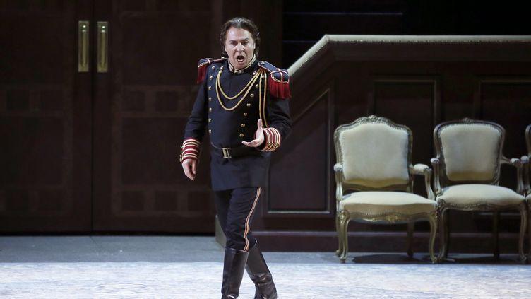 Roberto Alagna le 24 mars 2015 à l'opéra Garnier, à Paris. (PATRICK KOVARIK / AFP)