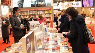 Dans les allées du salon Livre Paris, mars 2016  (Onur Usta / ANADOLU AGENCY)