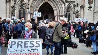 Une manifestation de soutien à Julian Assange mercredi 27 octobre 2021 à Londres. (RICHARD PLACE / RADIO FRANCE)