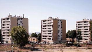 Marseille : rencontre avec les habitants des Aygalades, cité enclavée des quartiers nord. (FRANCE 2)