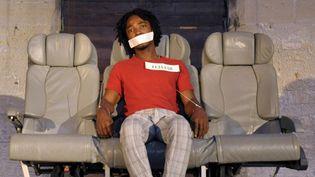 """Un acteur joue dans """"Exhibit B"""" de Brett Bailey en juillet 2013 au festival d'Avignon.  (Franck Pennant / AFP  )"""