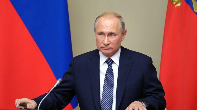 Vladimir Poutine lors de la réunion du Conseil de sécurité à la résidence Novo-Ogaryovo (Russie), le 5 août 2019. (MIKHAIL KLIMENTYEV / SPUTNIK / AFP)