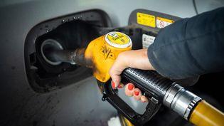 Illustration hausse des prix du carburant. (BOILEAU FRANCK / MAXPPP)
