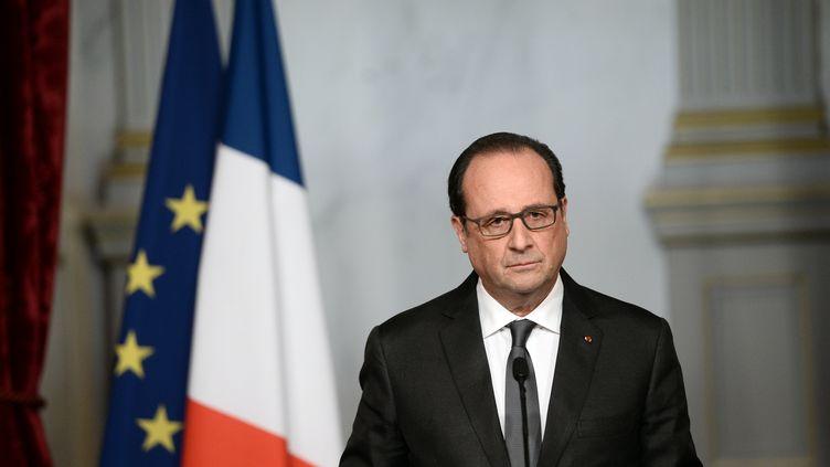 Le président François Hollande à l'Elysée, le 14 novembre 2015. (STEPHANE DE SAKUTIN / AFP)