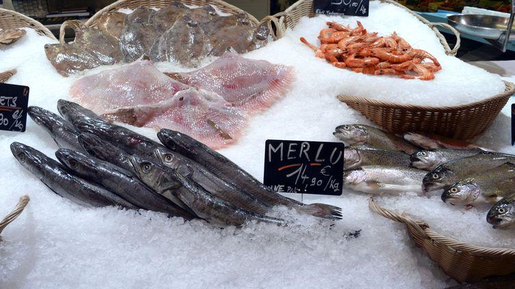 """Pour expliquer son geste, le poissonnier a évoqué""""la pression du chiffre, les fêtes de fin d'année, beaucoup de commandes"""". (JEAN-PIERRE MULLER / AFP)"""