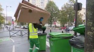 C'est devenu un argument de campagne, la propreté de Paris est une fois encore remise en cause. Manque de civisme ou manque de moyens, à qui la faute ? (FRANCE 2)