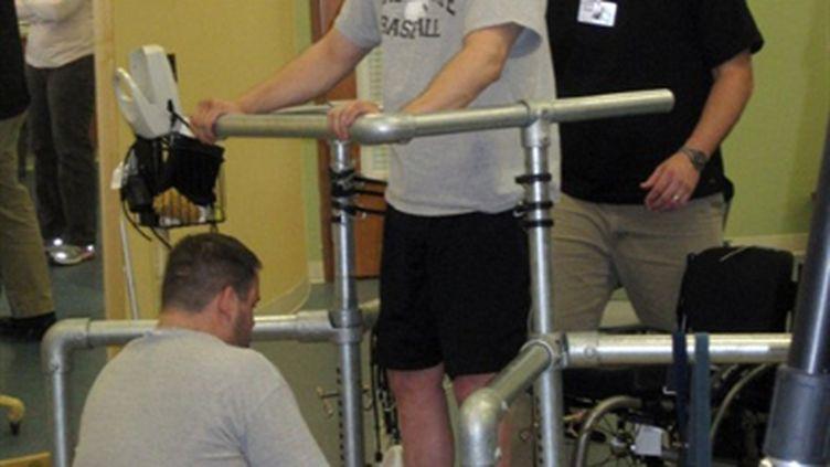 Rob Summers se tient debout à l'hôpital de Louisville (Kentucky), le 19 mai 2011 (AFP / Courtesy of Rob Summers)