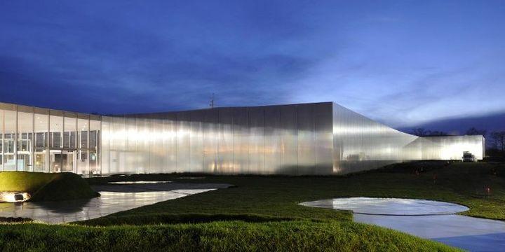 Le Louvre-Lens, une réussite architecturale et artistique.  (Philippe Huguen/AFP)