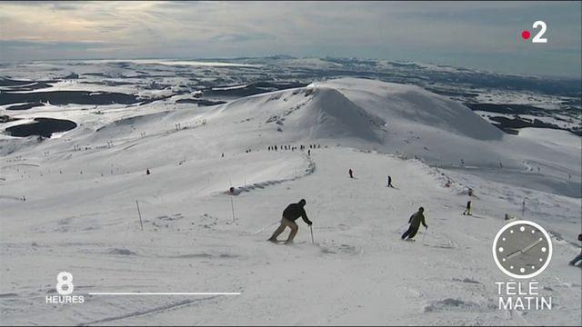Vacances d'hiver : la neige attend les skieurs en Auvergne