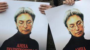 Manifestation en mémoire à la journaliste russe assassinée, Anna Politkovskaïa, le 7 octobre 2010 àMoscou. (AFP/NATALIA KOLESNIKOVA)