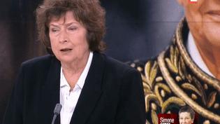 La journaliste politique Michèle Cotta a souvent fréquenté Simone Veil au cours de sa carrière. Elle dresse le portrait d'une femme au tempérament bien trempé. (FRANCE 2)